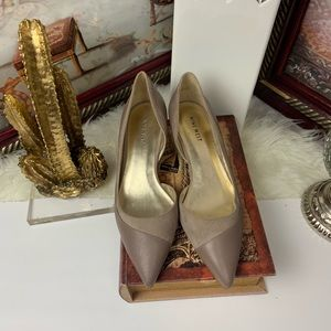 Nine West shoes color cream and low heel size 8